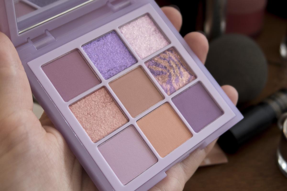 Huda Beauty Lilacs Palette